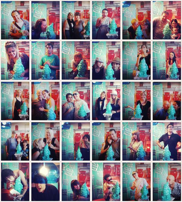 Samuel Schimek: Facebook This. Social Media Photobooth.