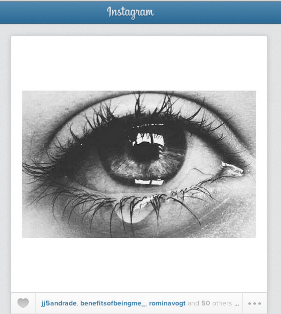 Instagram, Caroline Spring