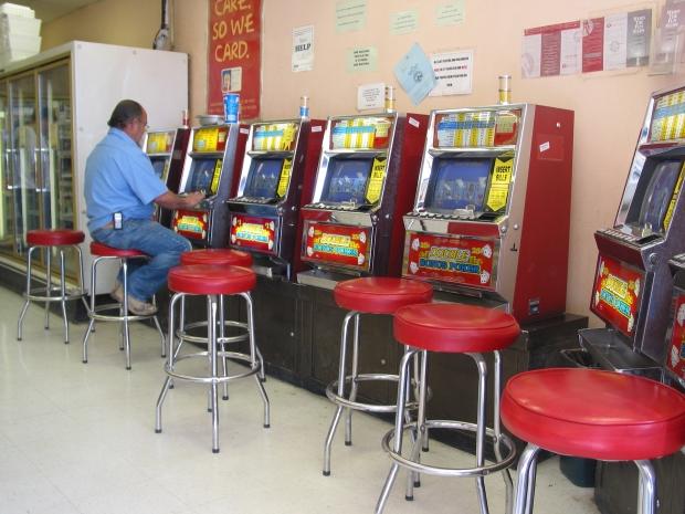 Spielecke in einer Tankstelle in Las Vegas. Bild: N.D. Schüll